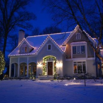 Framingham Residential Holiday Decor