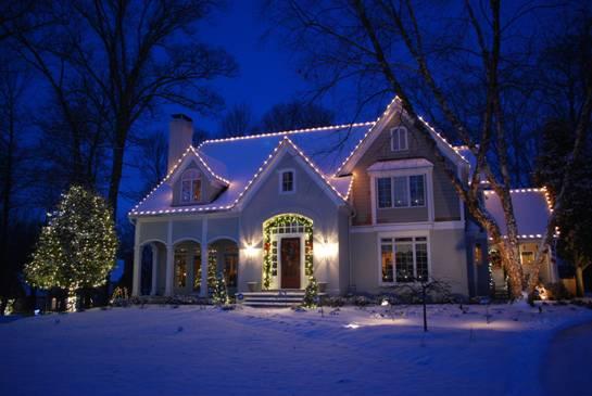 Framingham Residential Holiday Decor