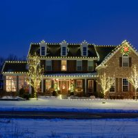 Outdoor Holiday Lighting Safety Tips