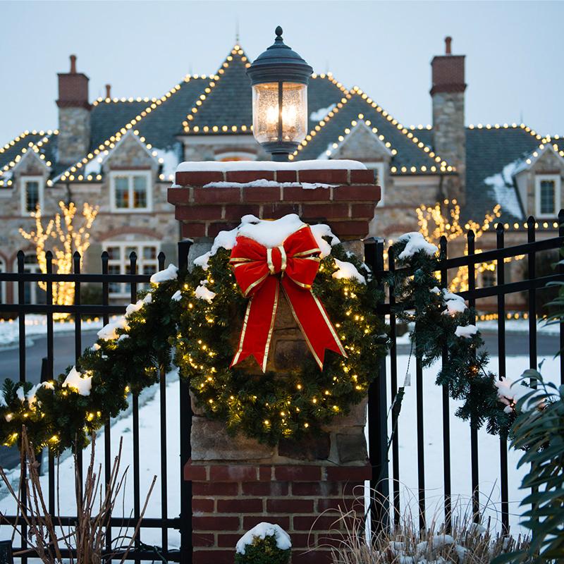 Holiday lighting on home
